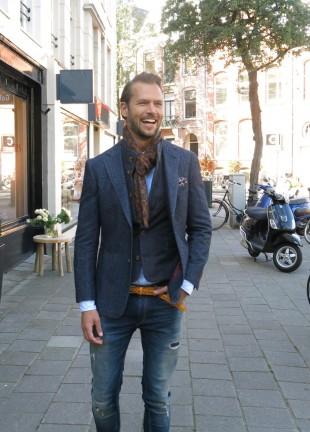 blue-Havana-jacket-×-wool-scarf-×-jeans-900x1257