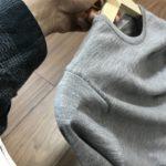 【70円で解決!!】ニットをハンガーにかけた時に肩が「ぽっこり」ふくらむ型崩れを防ぐ方法【IKEA】