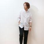 【ユニクロ】メンズの定番「白シャツ」の着こなし5選!